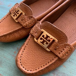 Like new!! Tory Burch Driver Loafers